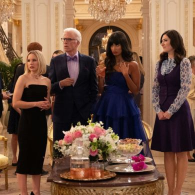 """THE GOOD PLACE -- """"A Girl From Arizona"""" Episode 401/402 -- Pictured: (l-r) Kristen Bell as Eleanor, Ted Danson as Michael, Jameela Jamil as Tahani, D'Arcy Carden as Janet -- (Photo by: Colleen Hayes/NBC)"""
