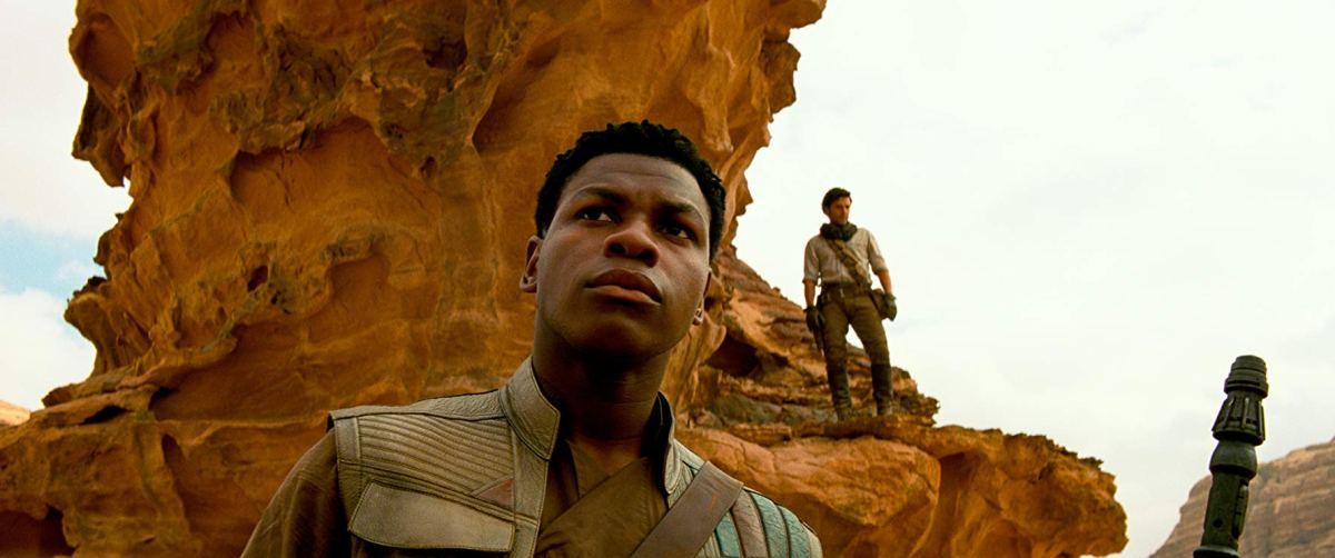 Finn on the desert planet Pasaana