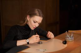 Amanda Seyfried trying Jaeger-LeCoultre watchmaking master class