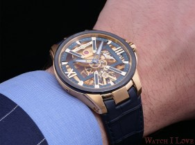 Ulysse Nardin Skeleton X Gold on the wrist