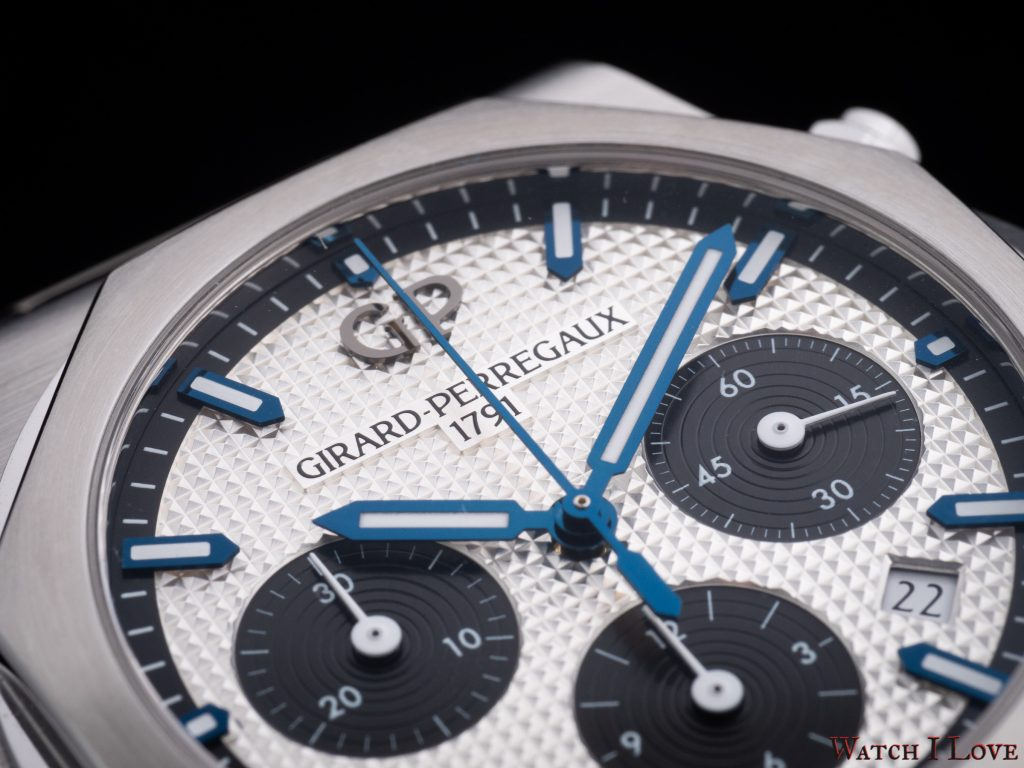 Girard-Perregaux Laureato 42mm Chronograph Ref. 81020-11-131-11 top side