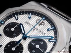 Girard-Perregaux_Laureato_Chronograph_dial_oblique_right_top