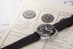17_SeaQ_with_historic_dial_samples_sRGB_25cm