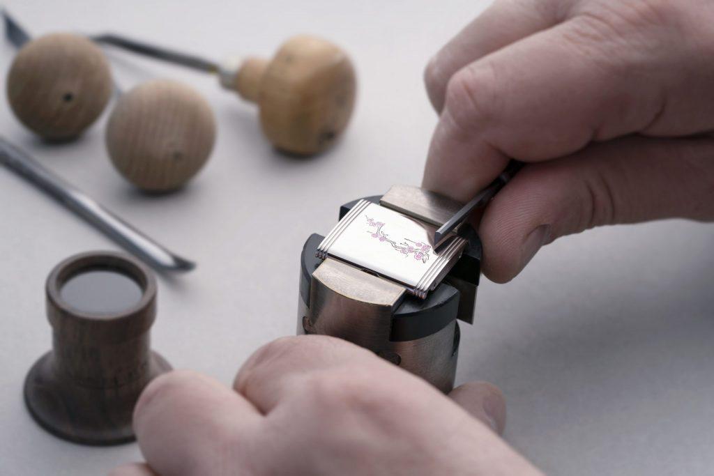 NiNi - Personalised Engraving Reverso @Alex Teuscher