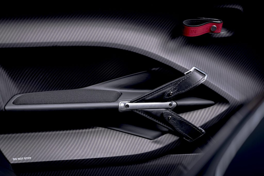 Aston Martin V12 Speedster