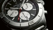 05_chronomat-b01-42-with-a-black-dial-and-silver-contrasting-chronograph-counters
