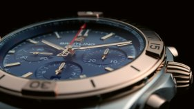 17_two-tone-chronomat-b01-42-with-a-blue-dial-and-tone-on-tone-chronograph-counters-highlighted-by-an-18-k-red-gold-bezel-crown-and-pushers