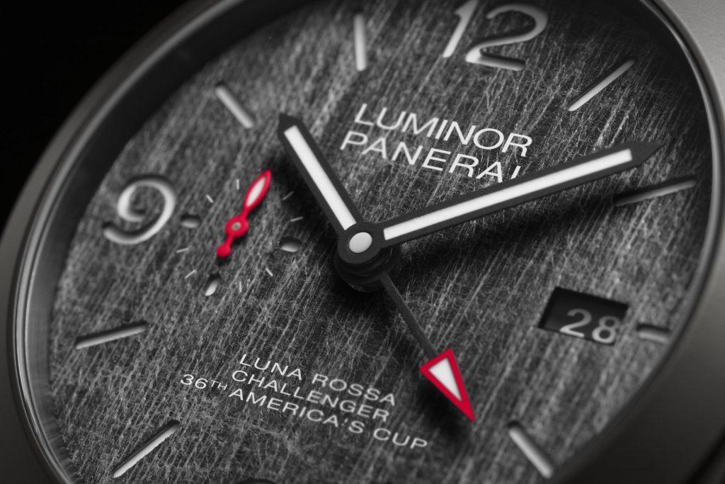Panerai Luminor Luna Rossa GMT – 44 mm PAM01036