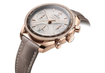 OMEGA adds full gold models to The Speedmaster 38 mm Collection