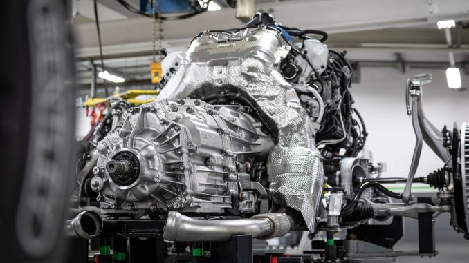 The driving force behind the Flying Spur V8: engine facts and figures – Watch I Love