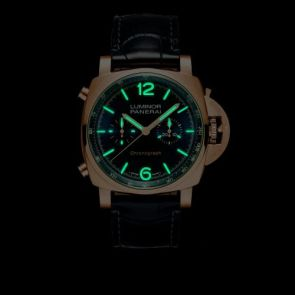 Panerai Luminor Chrono GoldtechTM Blu Notte lume