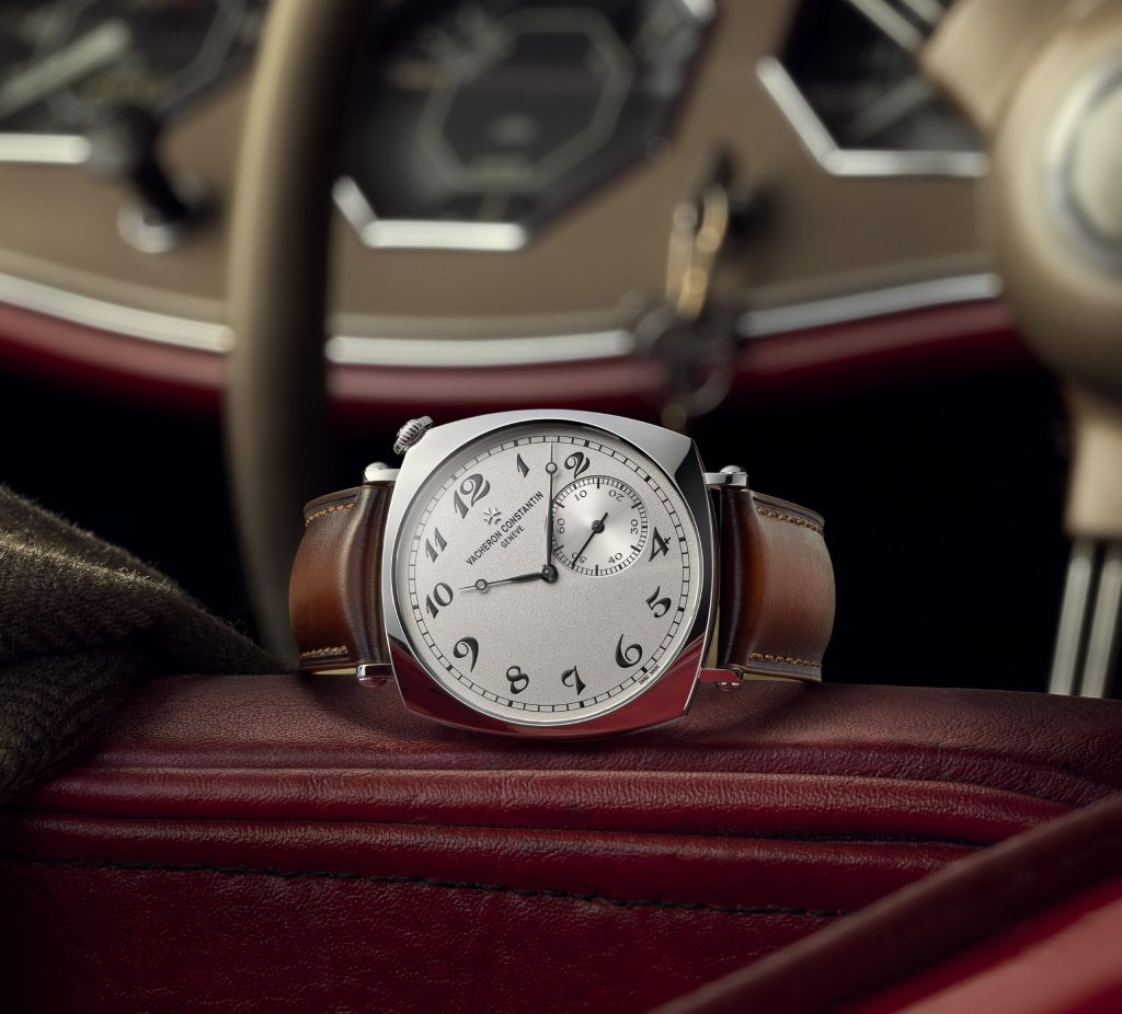The initial versions produced were notably appreciated by driving enthusiasts who could thus read the time at a glance without having to take their hands from the steering wheel. The perfect gentleman driver's watch, it was also adopted by elegant and avant-garde circles. A look through the archives reveals that two such watches belonged to American writer and clergyman Samuel Parkes-Cadman. Renowned for his fight for racial equality and the struggle against anti-Semitism, the man was a pioneer at heart. He is notably known to have been one of the first to use radio to broadcast his sermons to several million listeners; and is thought to have opted for this watch because it allowed him to read the time easily and discreetly while preaching. One of the two timepieces he owned is now part of Vacheron Constantin's heritage collection. This extremely rare model served as direct inspiration for the three new timepieces presented in 2021.
