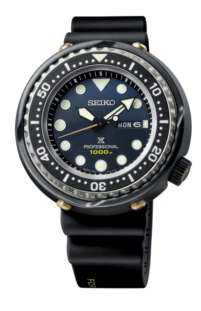 The watch is equipped with Seiko's tried and trusted quartz Caliber 7C46 which delivers a high level of torque so that it can move the powerful hands that are wide, robust and Lumibritecoated for maximum legibility. It also delivers a reassuringly long battery life of 5 years.