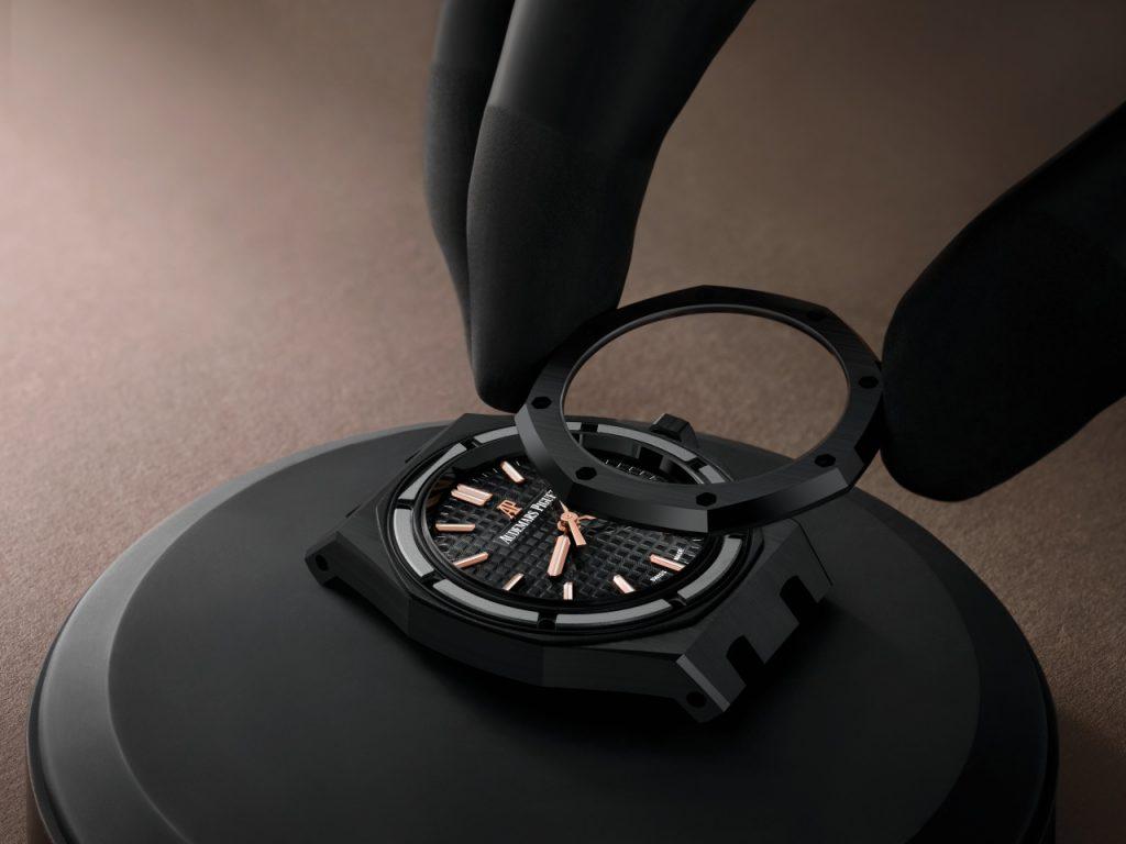 Black Ceramic Selfwinding 34mm Ref. 77350CE.OO.1266CE.01