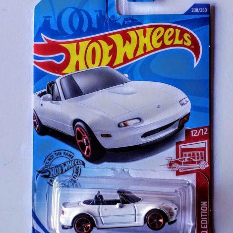 Hot Wheels 2020 HW Roadsters 1991 Mazda Mx-5 Miata (Target Red Edition) GHG68