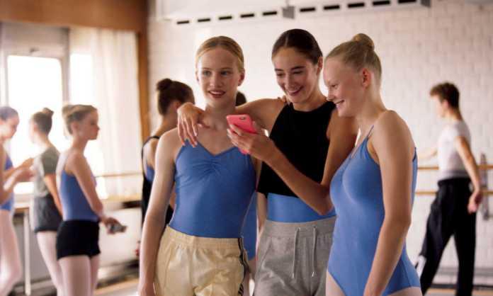 girl dance studio