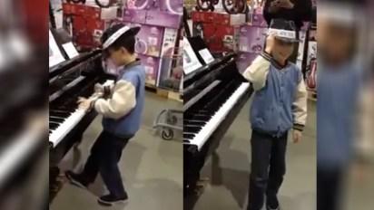 piano-in-toystore