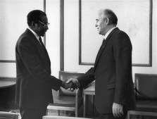 Mugabe with Soviet leader Mikhail Gorbachev at the Kremlin in Moscow in 1985