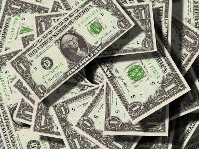 Dólar abre em alta; acordo sobre o Brexit e reforma da previdência estão no radar