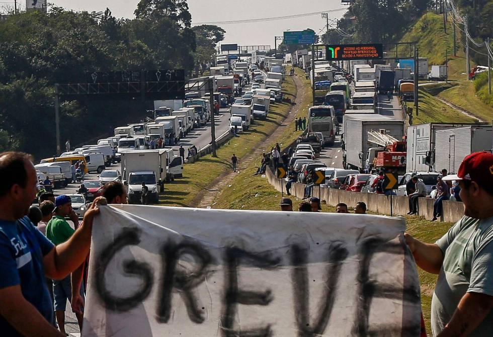 Nova greve dos caminhoneiros poderia ocorrer no dia 30 de março