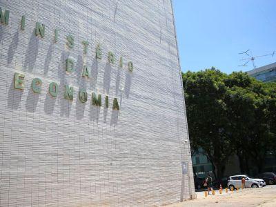 Governo decide o bloqueio de R$ 1,4 bilhão do orçamento