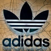 União Europeia afirma que três listras não são exclusividade da Adidas