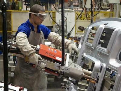 Produção industrial do Brasil registra queda em junho, aponta CNI