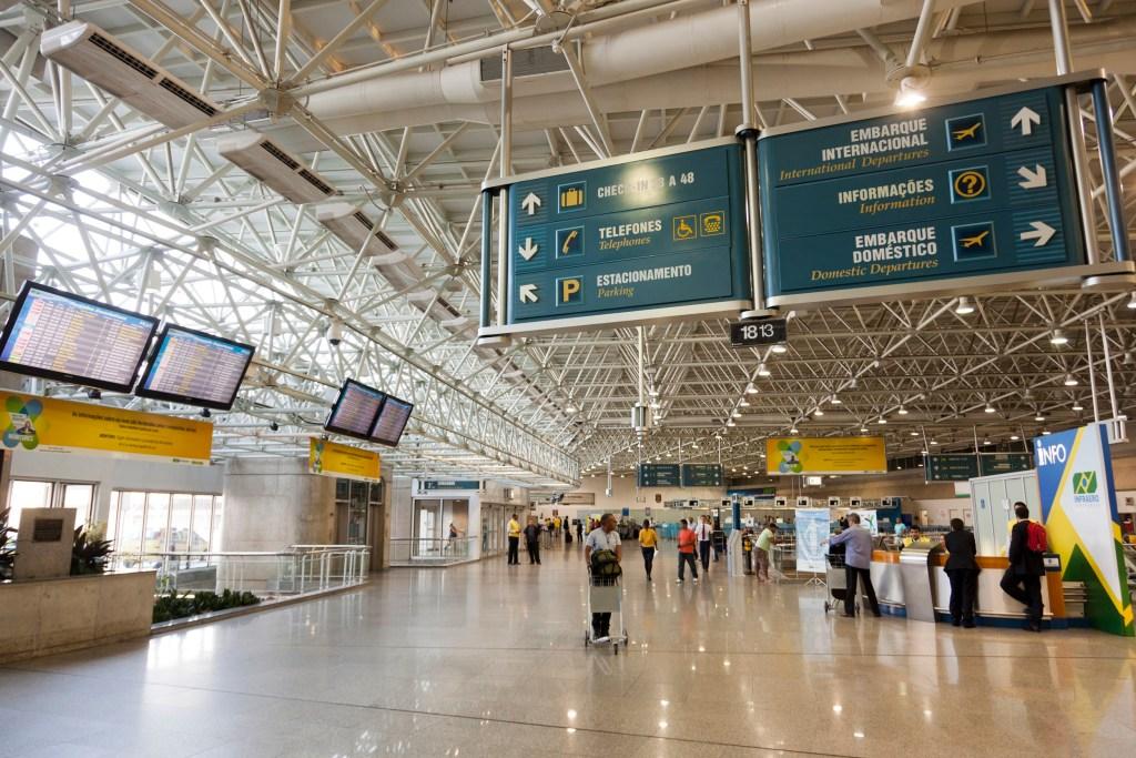 Governo anuncia fim da taxa extra para voos internacionais