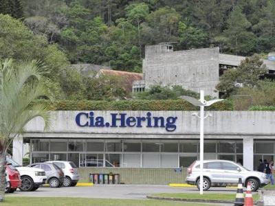 Cia. Hering acredita em recuperação lenta da economia no Brasil