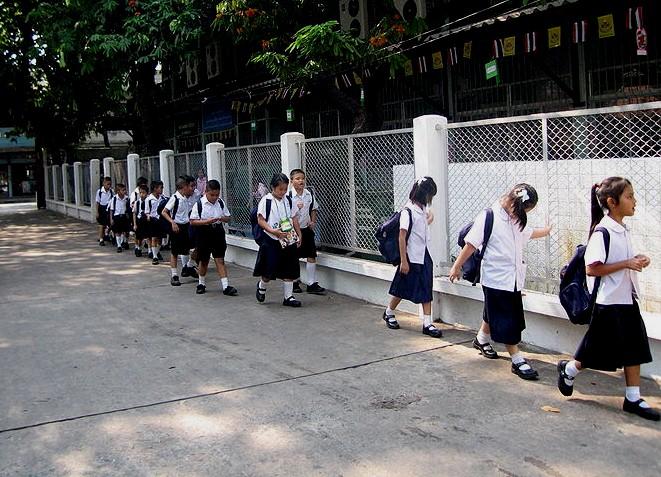 thailand eleves ecole
