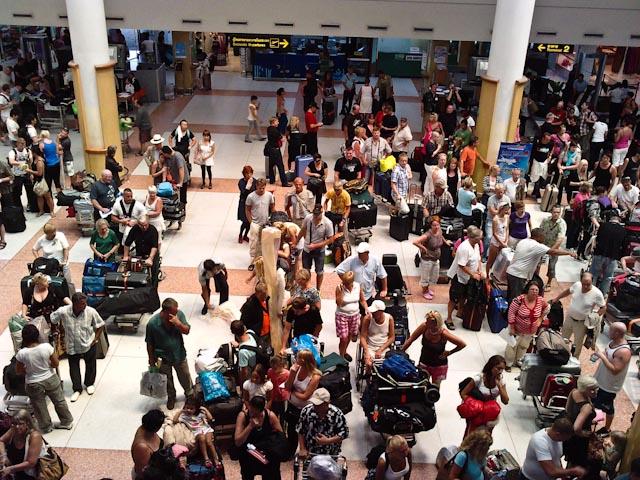 tourist phuket airport