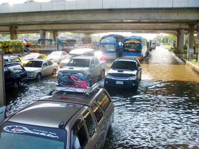 Trafic Bangkok inondations