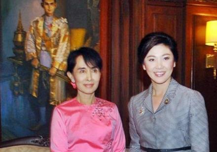 La première ministre thaïlandaise Yingluck Shinawatra a rencontré Aung San Suu Kyi