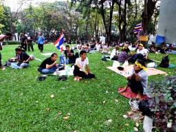 Les manifestants anti Thaksin occupent le Ministère des finances à Bangkok