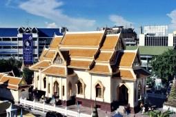 Un temple dans le centre ville de Bangkok. Photo : Clémence Cluzel