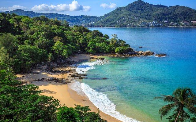 Visa pour la Thaïlande: Phuket veut rouvrir en octobre grâce à une campagne de vaccination privée contre la Covid-19