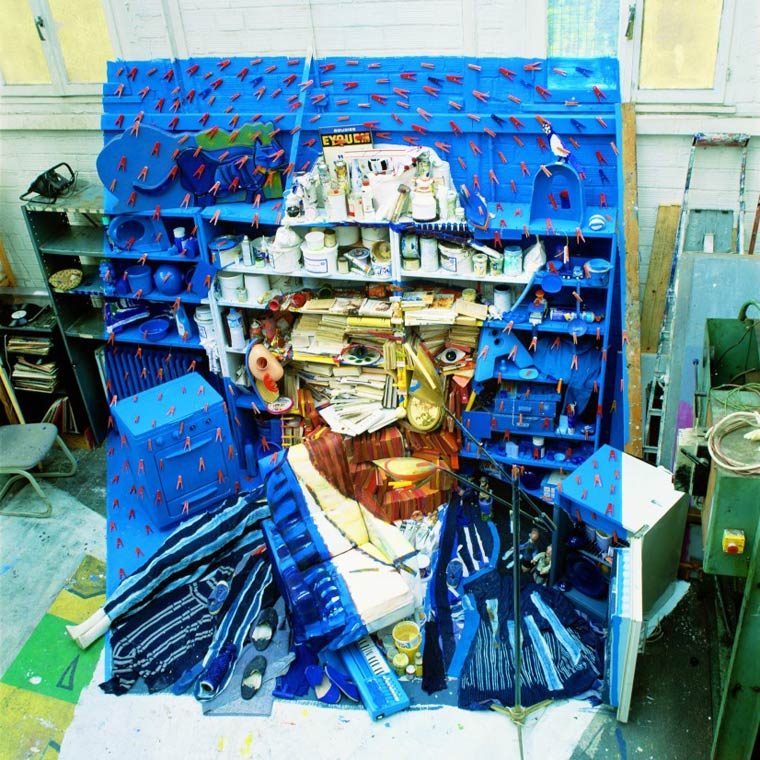 Portrait de Van Gogh en objets - anamorphose de Bernard Pras
