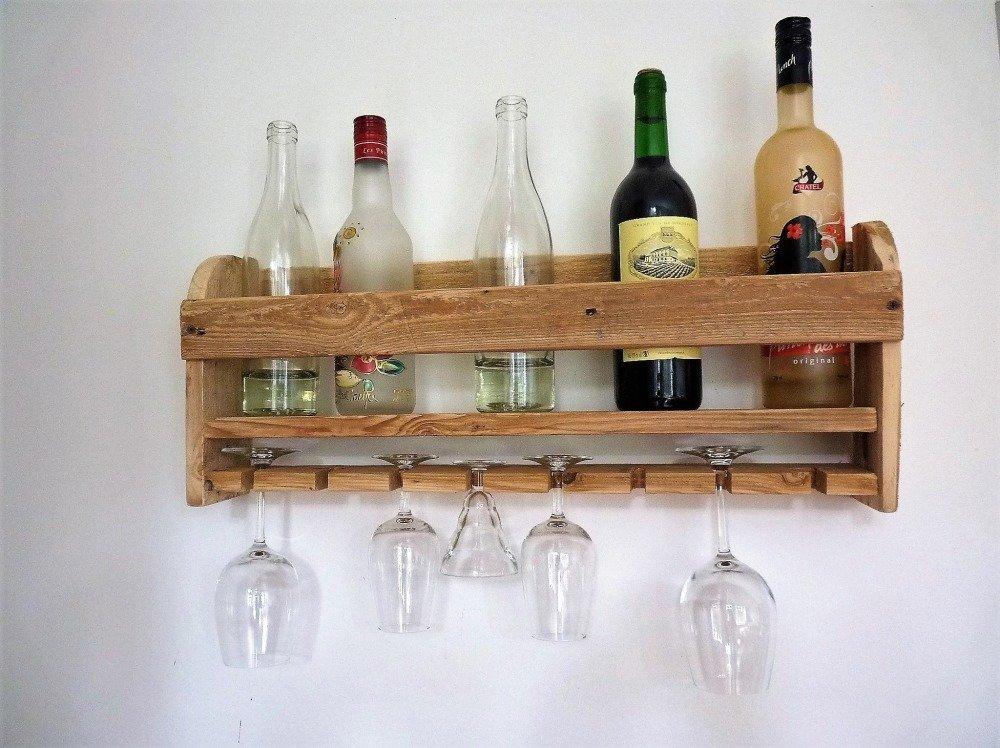 etagere murale verres et bouteilles