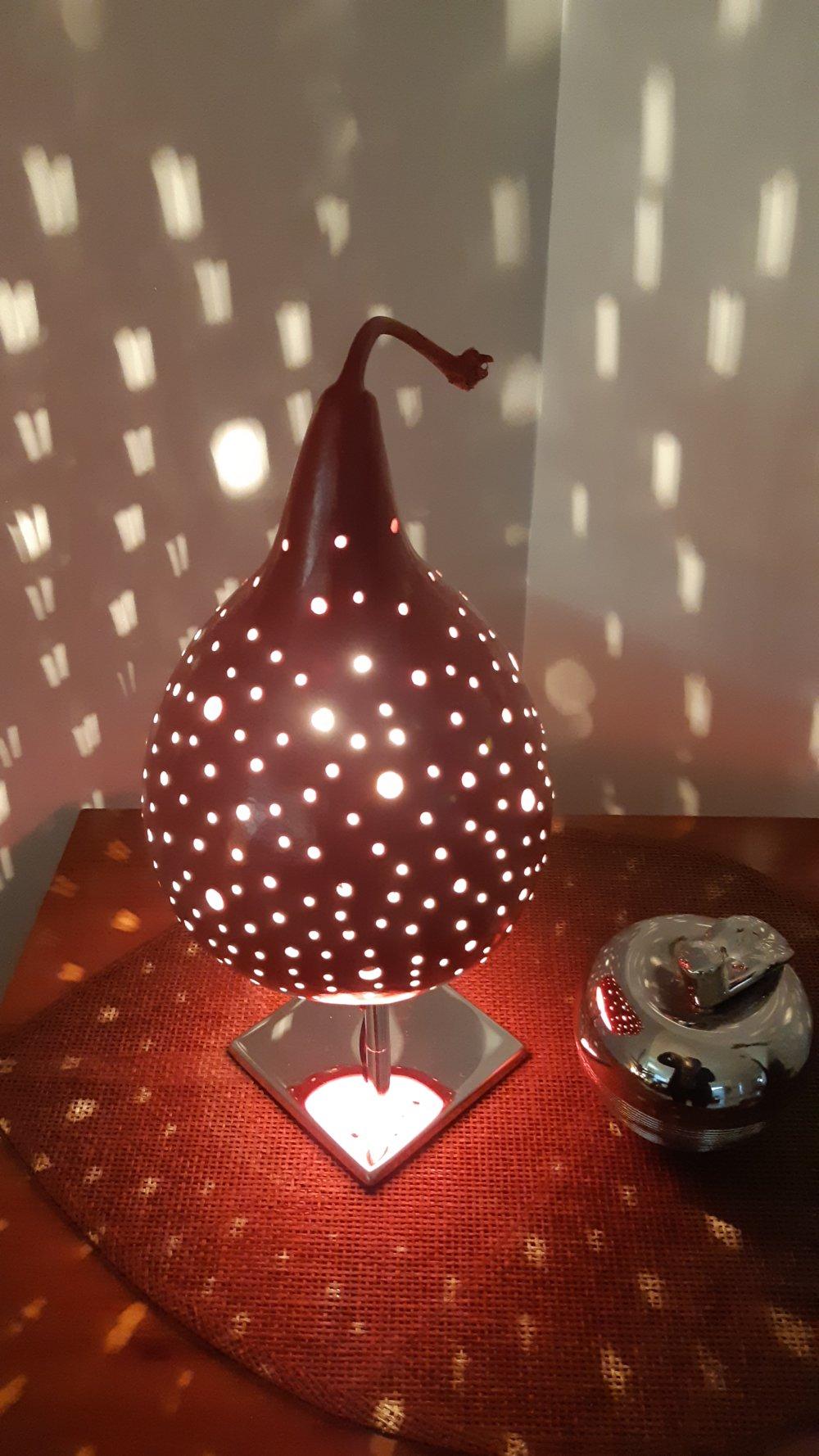 lampe d ambiance sur pied la tete dans