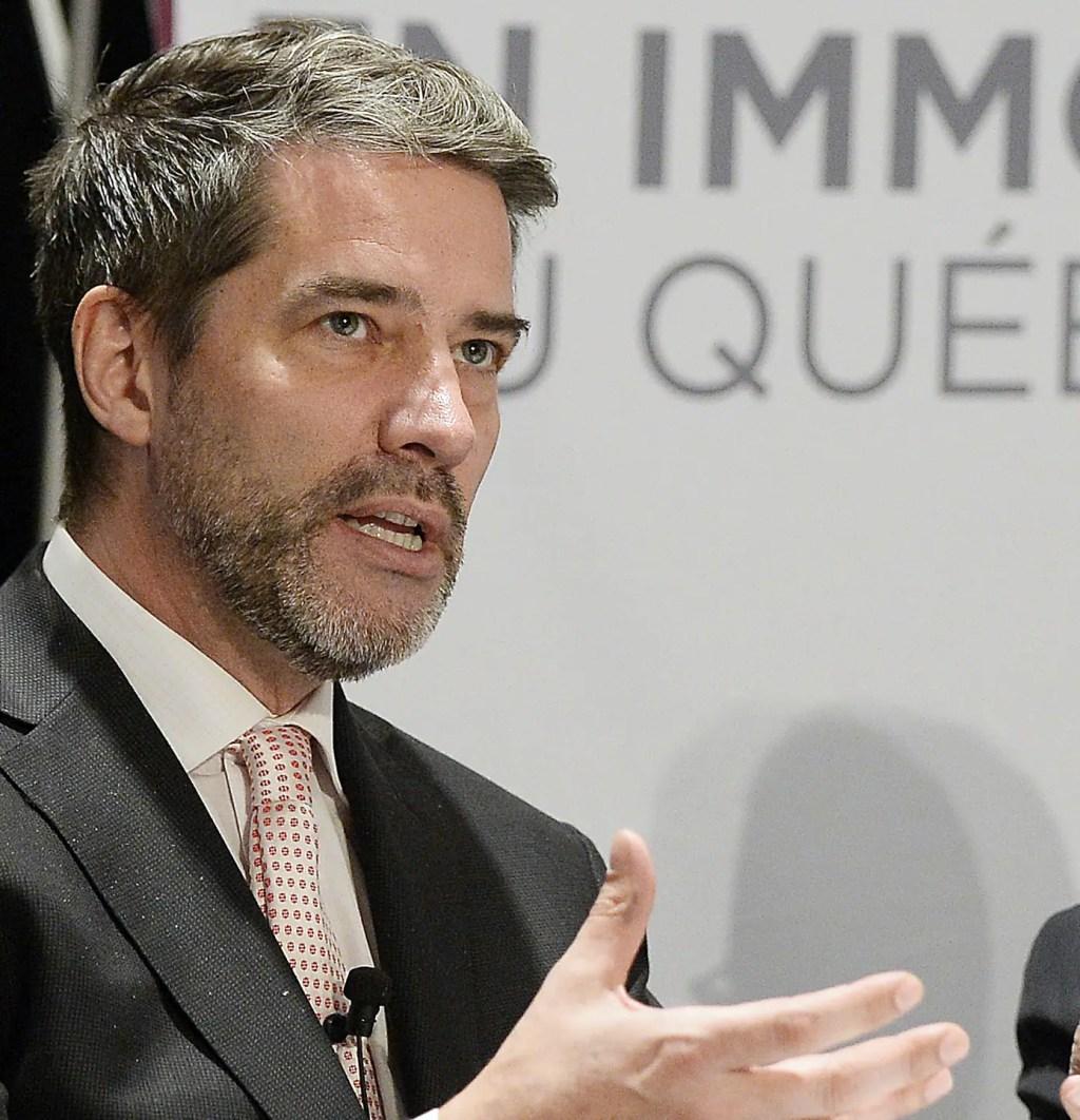 L'ex-politicien André Boisclair accusé d'agression sexuelle armée avec un tiers