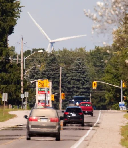 Travelling north into Strathroy on Adelaide Rd., a wind turbine seems to loom over the community. The province will study the noise impact of wind turbines and how they should be decommissioned. (MIKE HENSEN, The London Free Press)