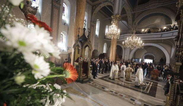 Sveta liturgija povodom Vaskrsa u Sabornoj crkvi Presvete Bogorodice u Sarajevu - undefined