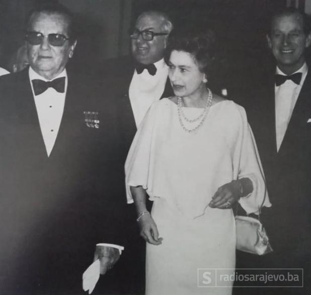 Foto: Tito ilustrovana biografija/Tito i kraljica Elizabeta, London 1978.