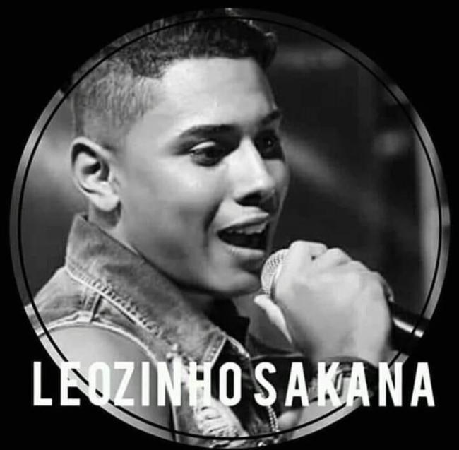 Leozinho Sakana, vocalista da banda WM Som