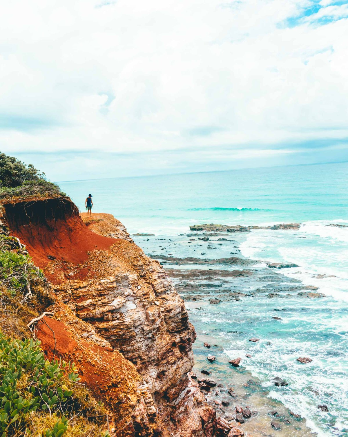 Coastal Hiking in Yuraygir National Park (Northern NSW) Scout Hinchliffe beach cave