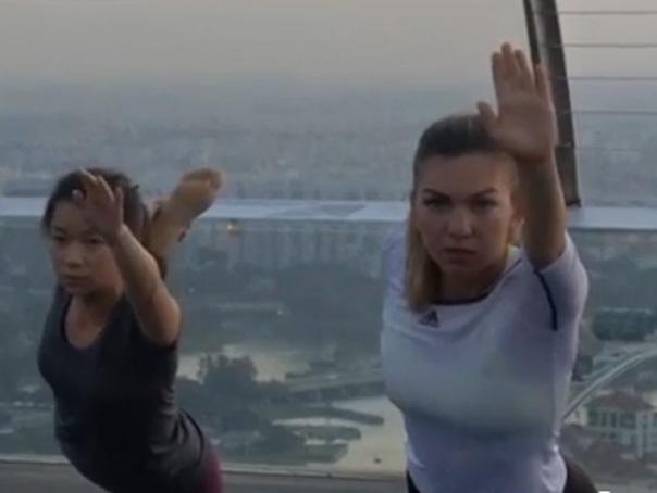 Imaginea articolului Simona Halep a participat la o şedinţă de yoga la Singapore - VIDEO