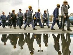 Londra: Muncitorii români care lucrează la Parcul Olimpic ar putea fi concediaţi