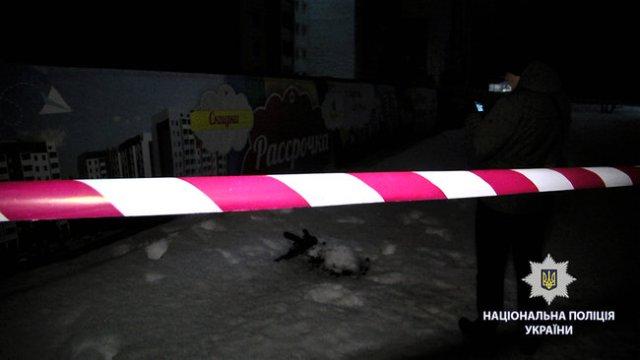 Неизвестные открыли стрельбу по группе людей в Харькове: 2 человека ранены, нападавшие скрылись, - Нацполиция 02