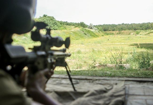 Нову українську снайперську гвинтівку випробували в справі курсанти Академії Нацгвардії 07