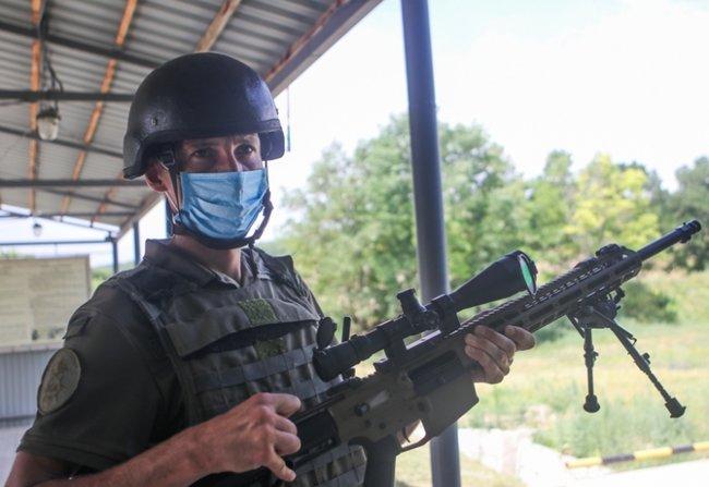 Нову українську снайперську гвинтівку випробували в справі курсанти Академії Нацгвардії 08